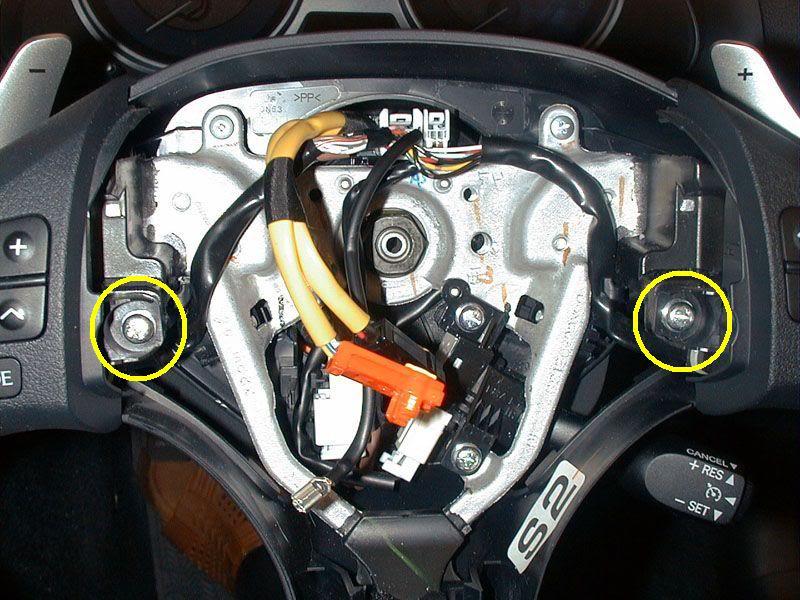 c mo vinilar zona de botones del volante del coche en carbono. Black Bedroom Furniture Sets. Home Design Ideas