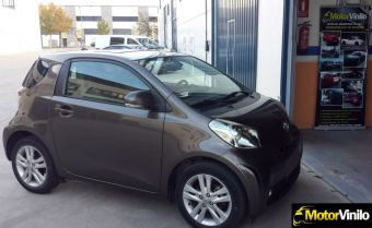 toyota_iq_film_charcoal_brillante