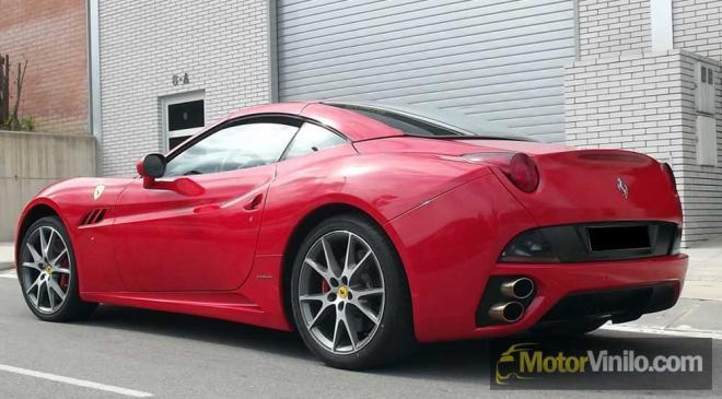 Ferrari vinilado rojo brillante